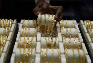 COMMENTARY – UK jewellers struggle with cash flow crises, agonising waits for emergency aid