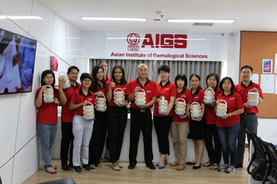 AIGS supports staff and customers to use less plastic