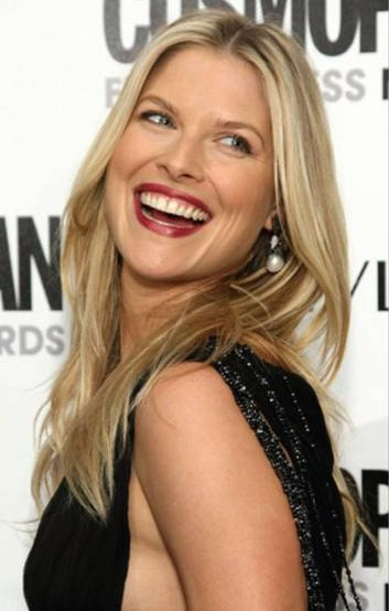 Actress Ali Larter wearing Yvel pearl and diamond earrings to the Cosmopolitan's 2009 Fun Fearless Awards on March 2, 2009, at SLS Hotel in Beverly Hills, California.