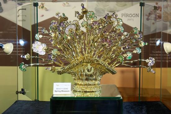 "Bangkok Gems & Jewelry Fair to present theme of ""Thailand's Magic Hands"""