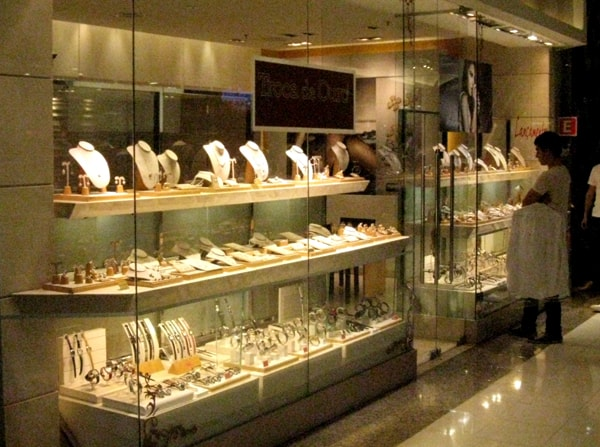 Jewel shopping in Sao Paulo – from market to mall