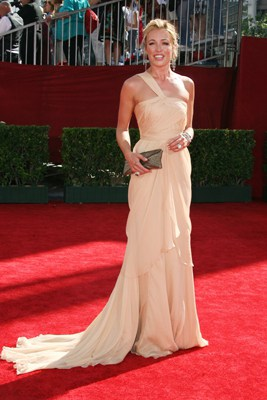 Television stars go platinum at the Emmys