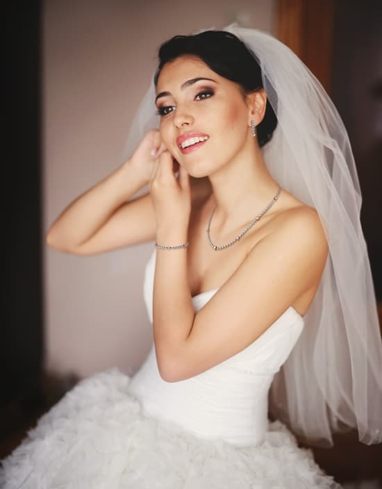 Domino urges retailers to say 'I do' to bridal jewellery