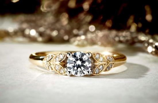Domino push boundaries with new Diamond Ring Mount refresh