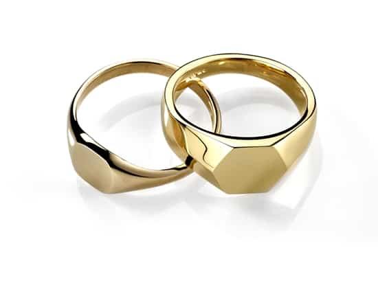 Millennials embrace the signet ring