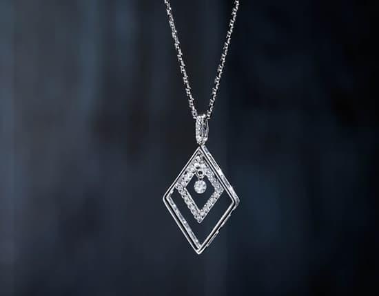 "Domino's ""Scintillating Diamonds"""