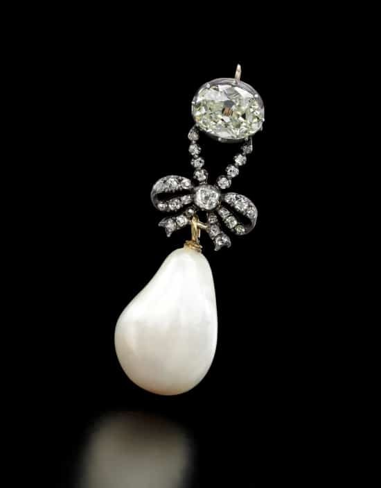 Marie Antoinette jewel sale highlights penchant for pearls