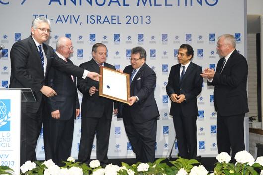 Israeli diamond industry award presented to Gaetano Cavalieri