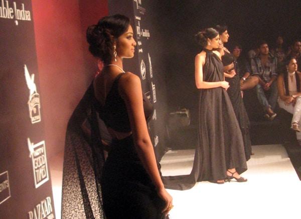 India's new jewellery stars show off designs at IIJW