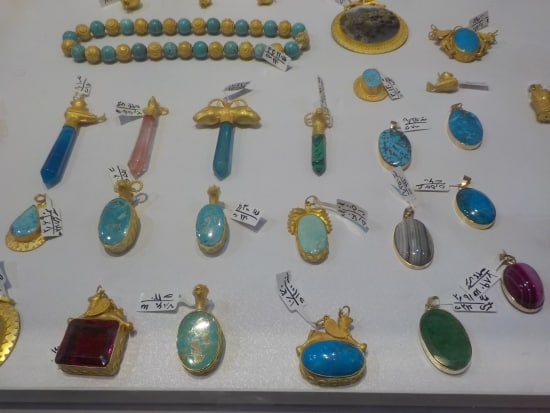 Iran's GEMKISH showcases craftsmanship in turquoise, agate