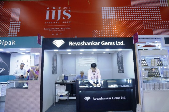 Delegates from India visit UK to promote India International Jewellery Show (IIJS)