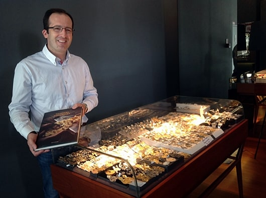 Jewellery News-Portuguese jewellery designs, old and new, showcased in Oporto
