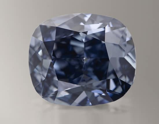 Sotheby's to offer sensational Blue Moon Diamond