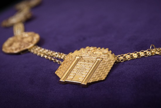 Weston Beamor casts historic civic chains for Sonkai of Norwich