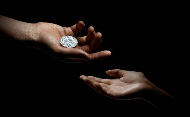 "Sotheby's to offer ""perfect"" 100-carat diamond without reserve for first time in auction history"