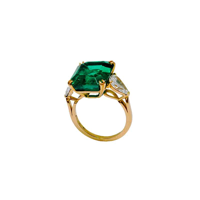 8.39-ct Van Cleef and Arpels Colombian emerald with minor oil
