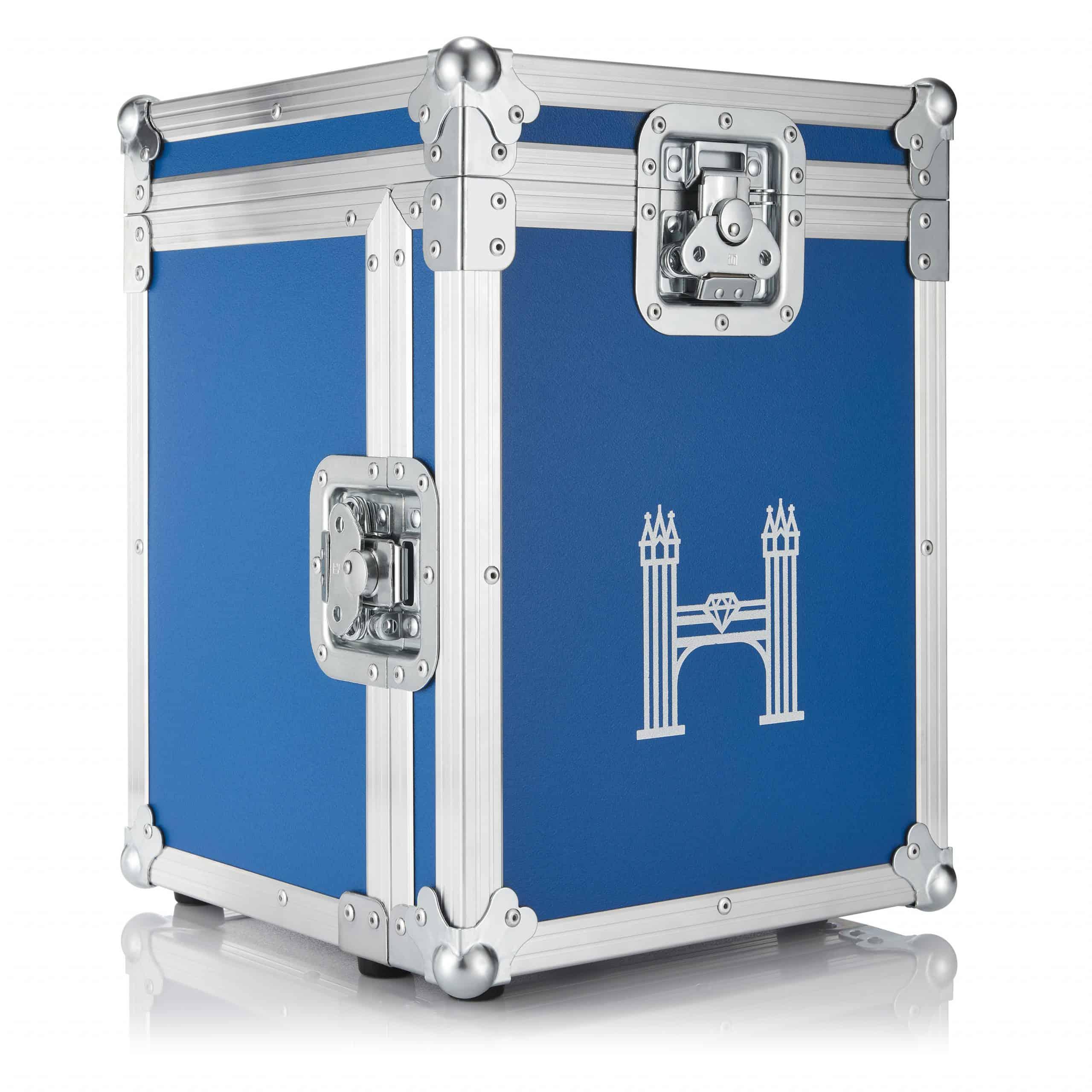 flightcase in the signature Hirsh blue