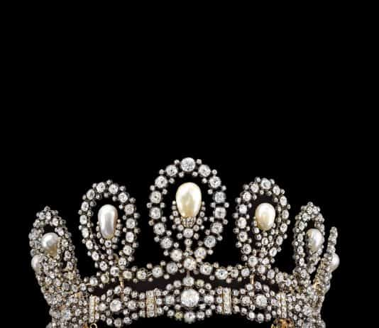 Royal Tiara in natural pearl and diamonds - Sotheby's Geneva