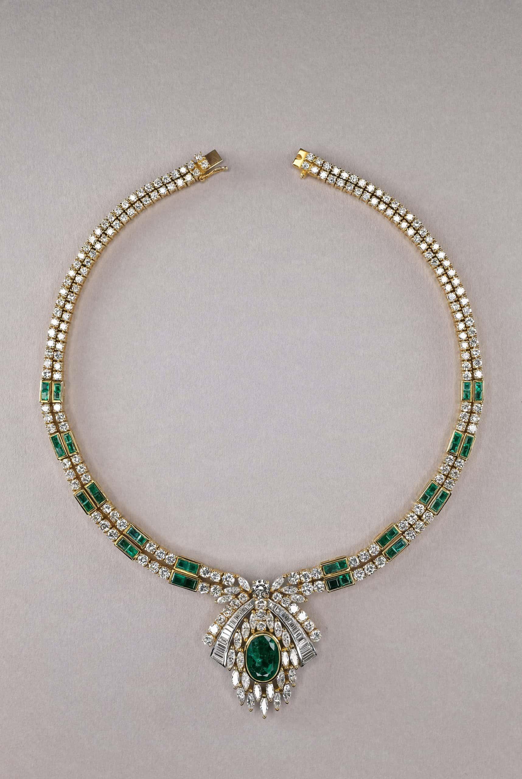 Vintage emerald necklace by Gembridge