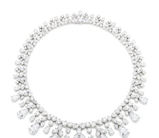 a magnificent Harry Winston diamond necklace